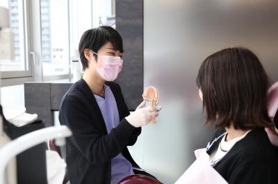 銀座みらい歯科の歯周病治療で患者様ごとに実施する歯科衛生士による歯磨き指導